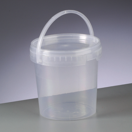 Pot vide en plastique transparent