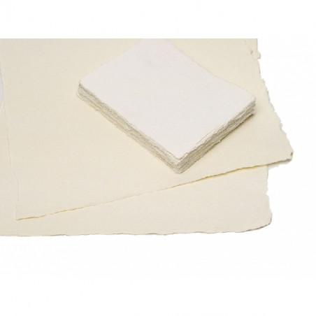 Papier aux bords frangés dessin et impression fait main 110 g/m²