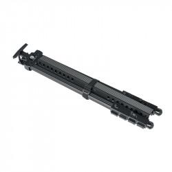 Chevalet d'extérieur en aluminium noir très robuste et réglable. Hauteur du tableau maximum 1,20 m. Format plié : 63 x 11 x 9 cm